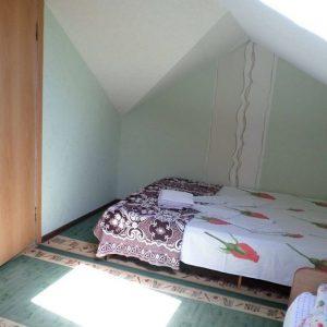 Гостевой дом Уютная Витязево 3-х мест мансарда (3)